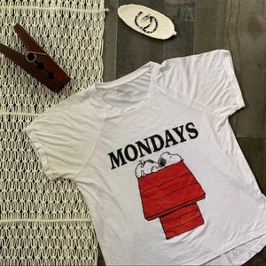 Peanuts Snoopy Monday's Graphic Tee